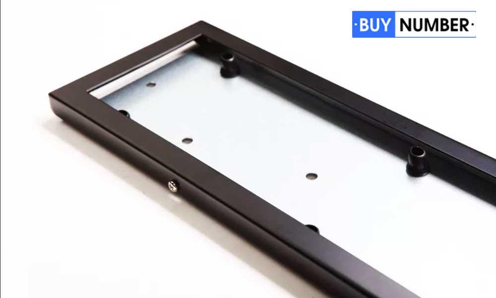 Железные рамки для номерных знаков