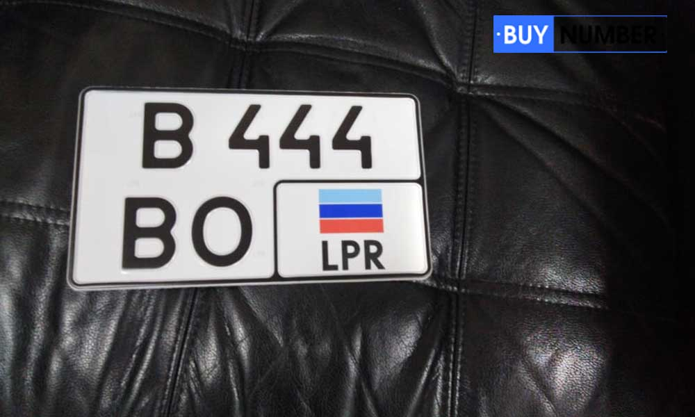 Дубликаты квадратных госзнаков Луганска на Американские автомобили