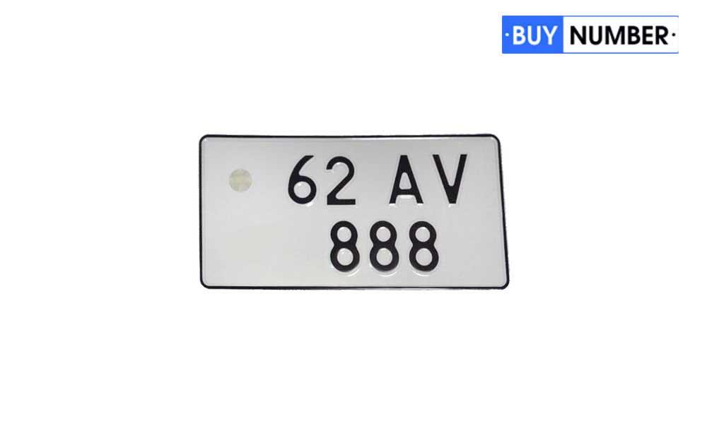 Квадратные номерные знаки Армении старого типа без